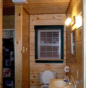 Bathroom on Log Cabin Rental Photos   Bathroom Shower   North Country Rivers
